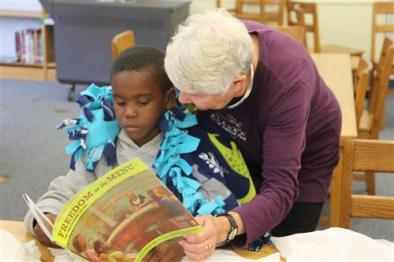 wsfc-schools-delta-kappa-mu-book-and-blanket-give-away-to-2nd-graders