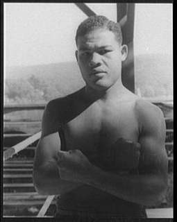 Joe louis boxer posing